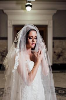 bridal-wedding-makeup-artist-sunshine-coast-coolum-marcoola-maleny-montville-yandina-makeup-artist-hair-stylist-airbrush-makeup-white-liley-couture