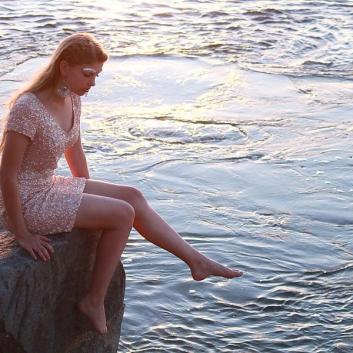 jadewood-design-cooroy-sunshine-coast-qld-makeup-artist-hair-styling-coolum-yandina-maleny-beach-model